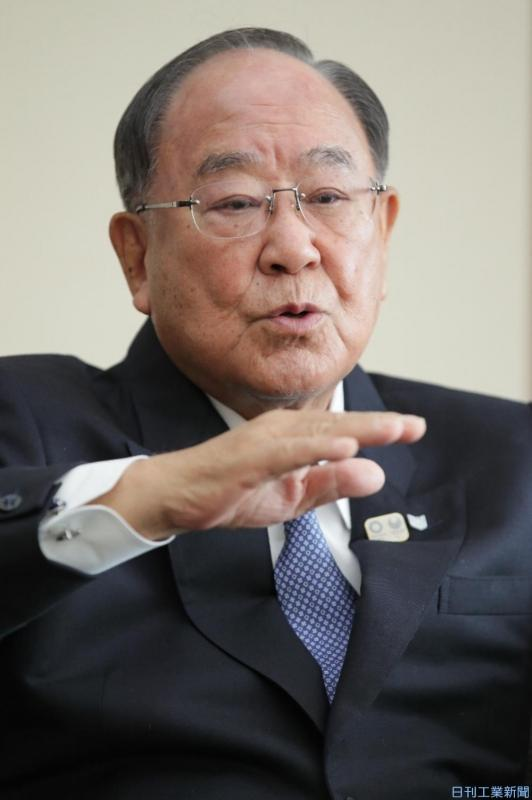 キヤノン会長兼社長CEO・御手洗冨士夫氏 出はなくじかれた